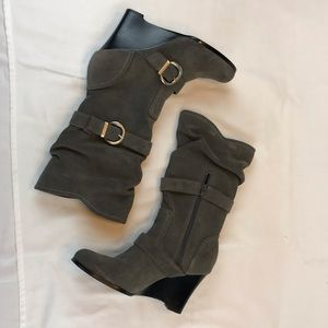 Skechers Gray Suede wedge mid-calf boots size 8